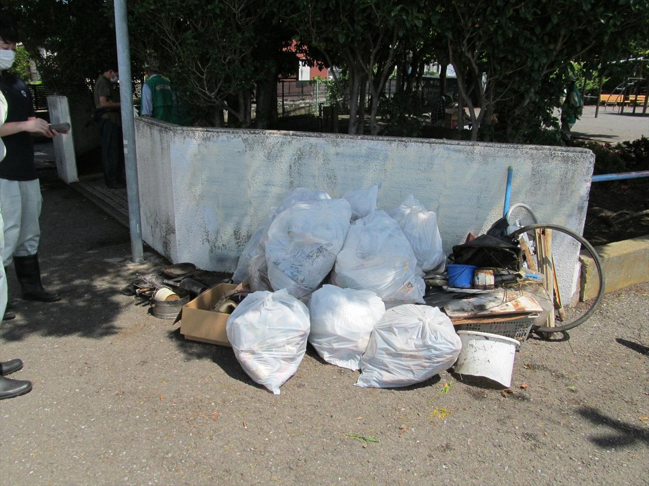 収集したゴミ