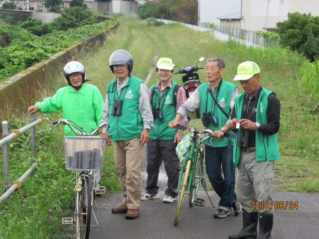 観察に参加したメンバーの集合写真