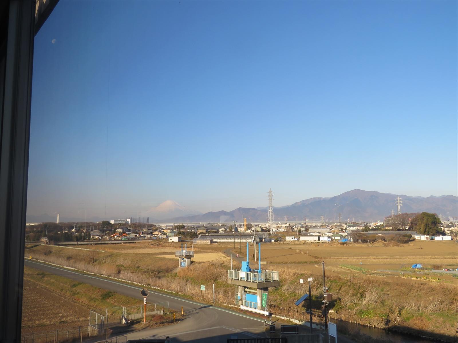 リサイクルセンター2階からの富士山と大山