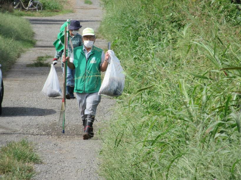収集ゴミと運搬