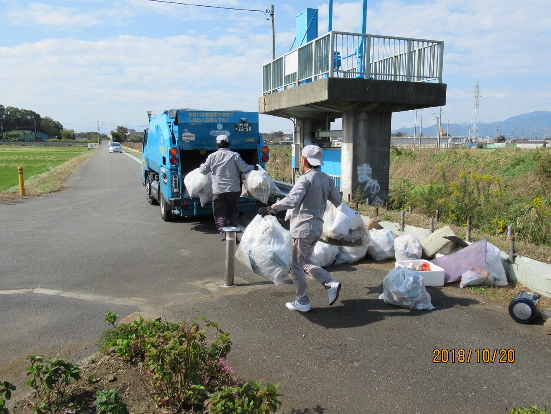 業者によるゴミの回収