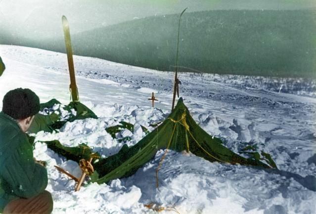 Одно из самых известных фото брошенной палатки группы  Дятлова