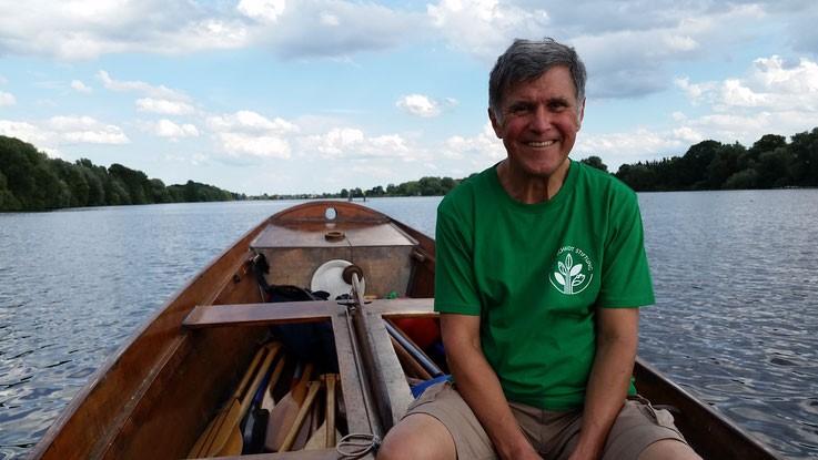 Biberrevierbetreuer Wolfgang Ickert ist auch mit im Boot!