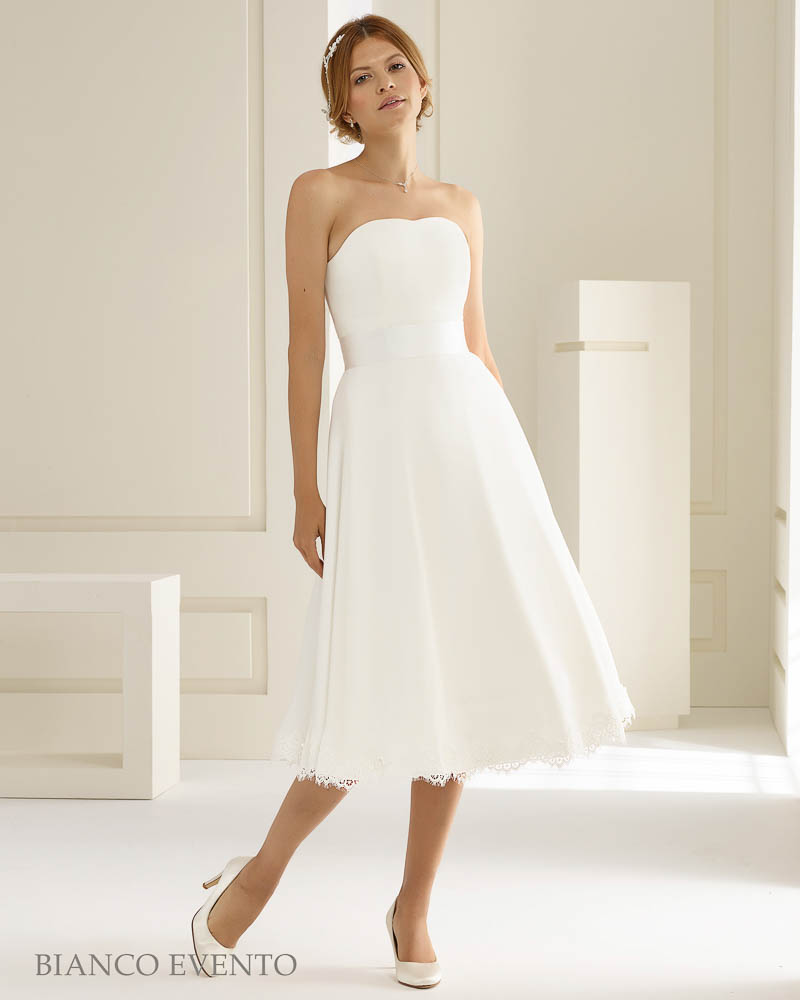 Clean Chic Brautkleid