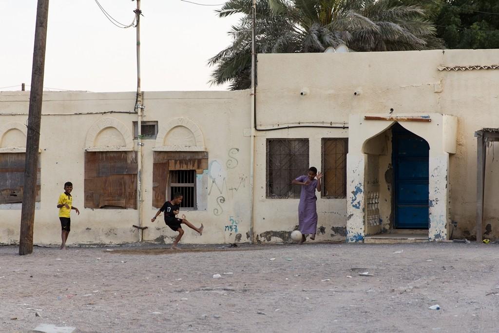 ...zwischen denen die Kinder Fußball und Verstecken spielen… | Foto: Jeanette Dobrindt