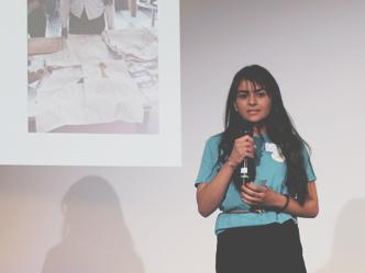 Sommerunternehmerin Dielzos bei der Abschlusspräsentation, Futurepreneur