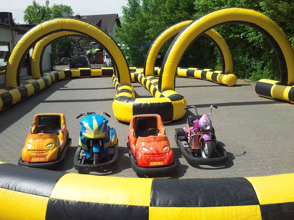 Fun Race, Platzbedarf 18x10x3,5 Meter