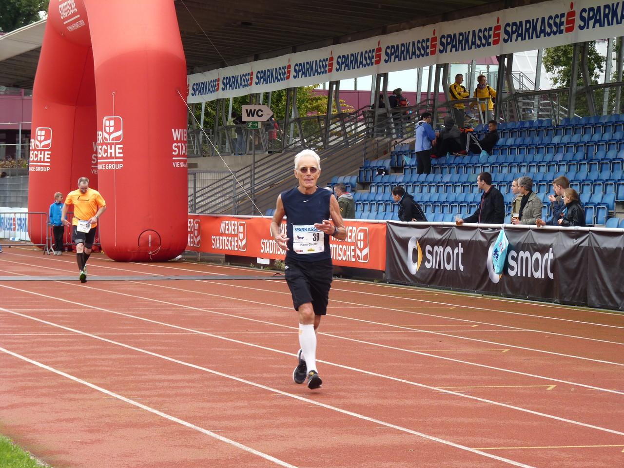 Hans-Dieter - Marathon in 3:32:58