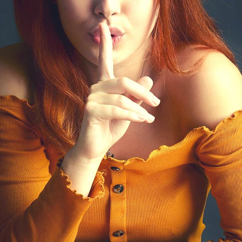 Als Frau heimlich in eine Frau verliebt: 5 Schritte, mit denen du die Qual des Doppellebens loswirst