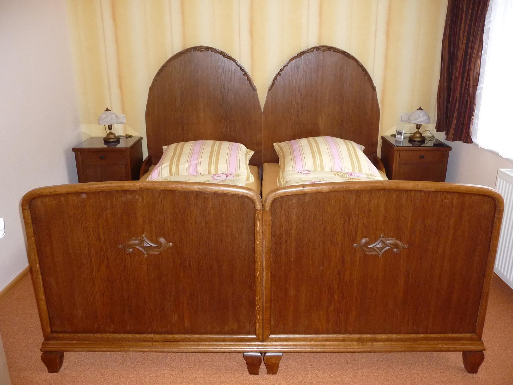 gemütliches restauriertes Schlafzimmer
