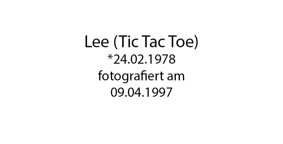 Lee Tic Tac Toe Portrait foto organico Picture Bild Krackhardt Christof Menschen des veröffentlichten Lebens Geburt Birth Datum