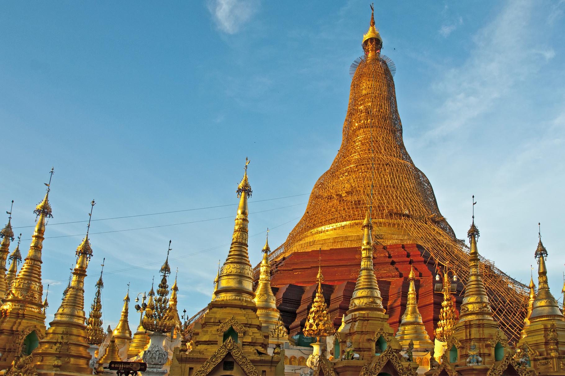 Shwedagon-Pagode eingerüstet