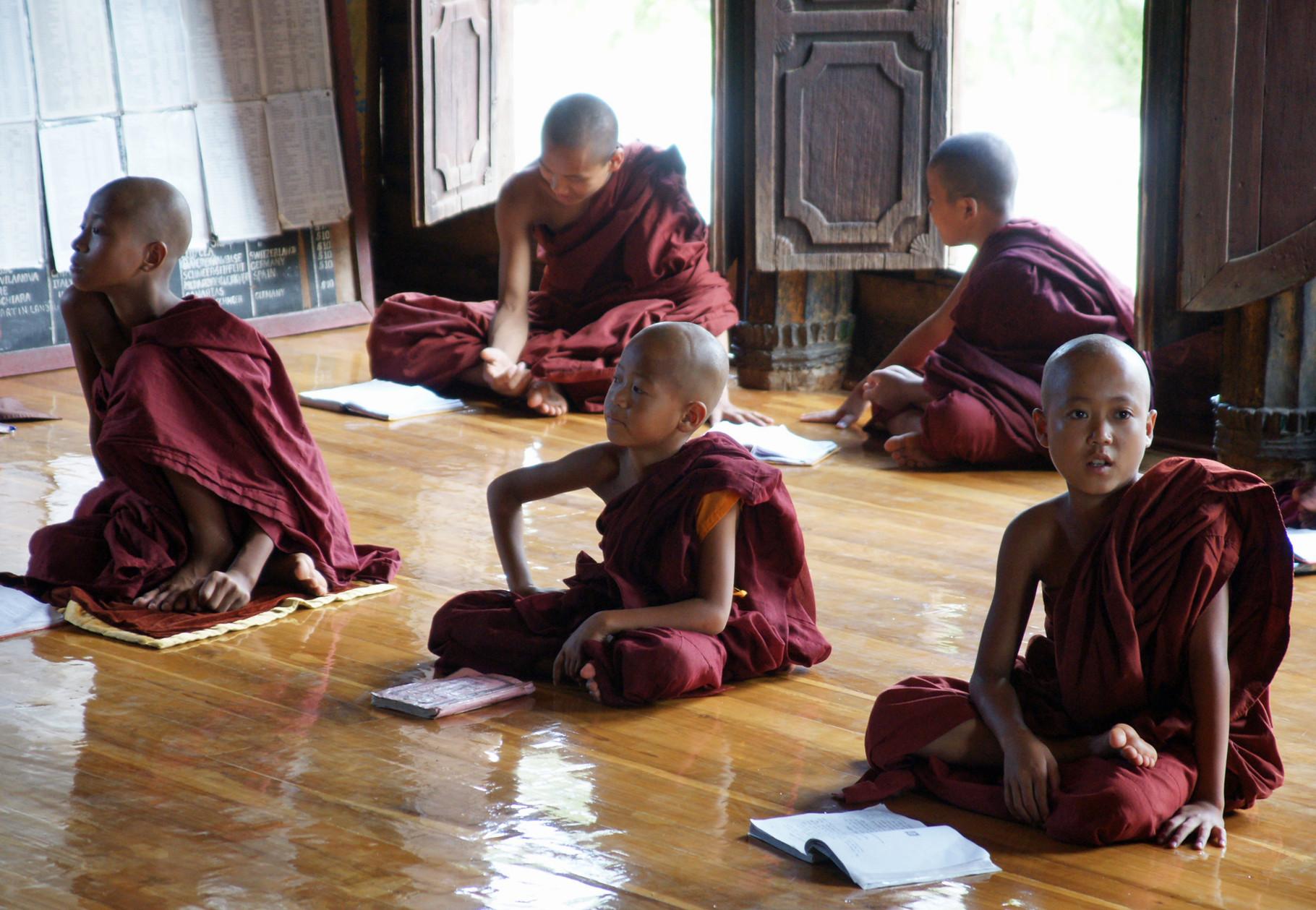 Unterricht im Kloster
