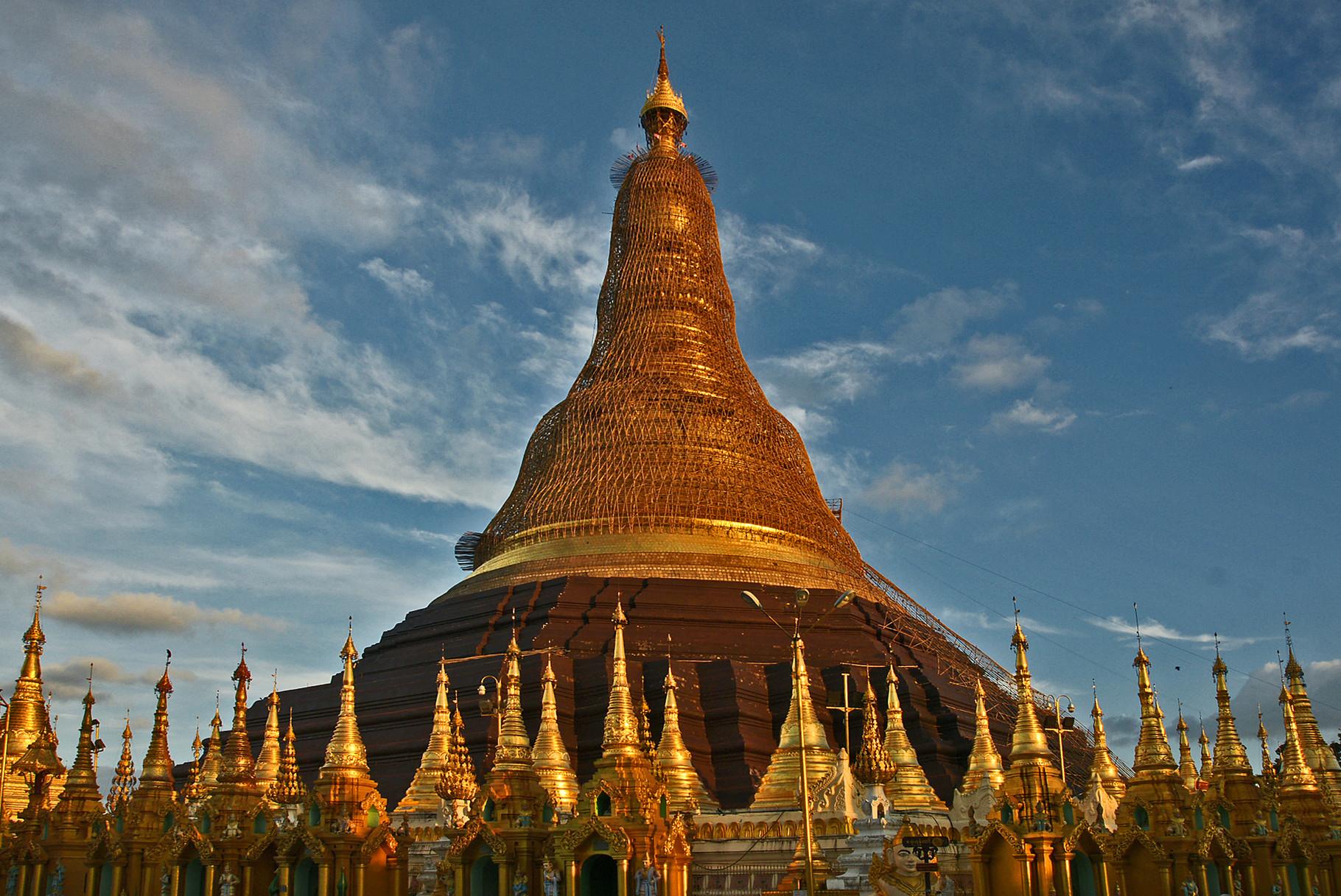 Und nochmal Shwedagon-Pagode im Abendlicht