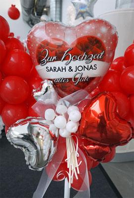 Luftballon Ballon Dekoration Hochzeit Polterabend personalisiert mit Namen Brautpaar dekorativ modern Ständer Location