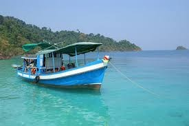 snorklling boat