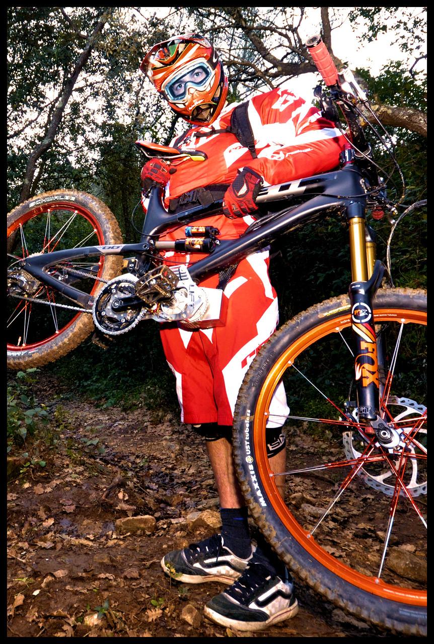 super light électic mountain bike