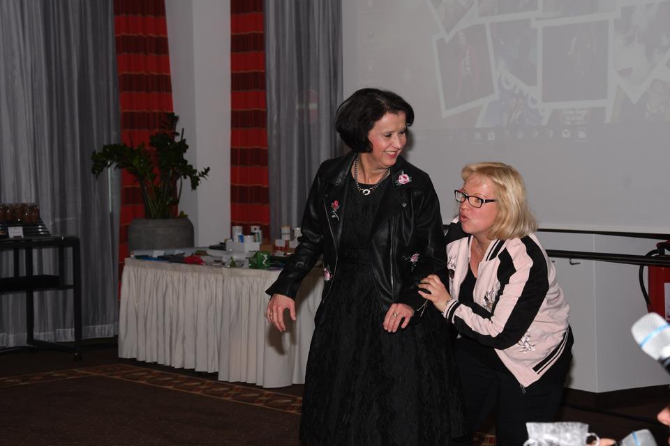 Scharade - Martina und Anja   © Offizieller Alexander Klaws Fanclub