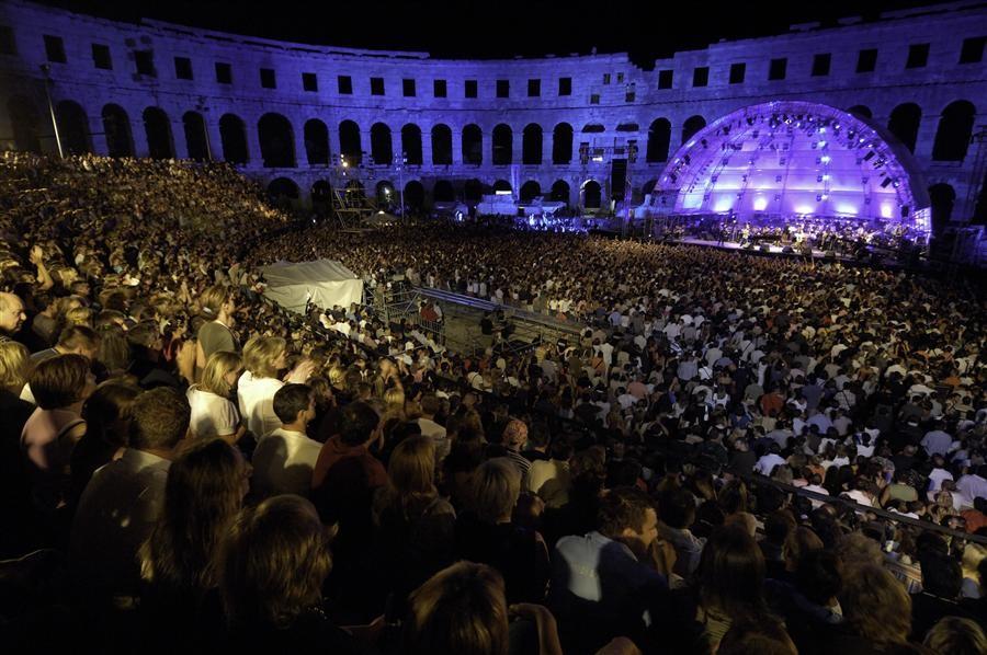 Im Amphitheater finden immer wieder Konzerte Stadt