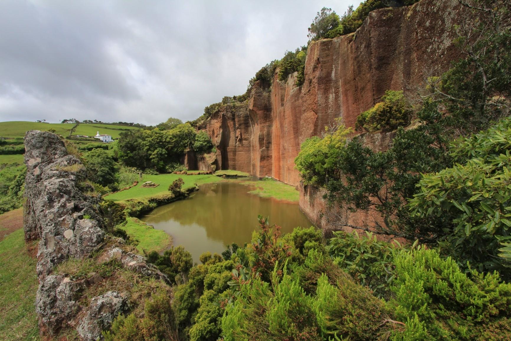 """Santa Maria - Geologische Sehenswürdigkeit """"Pedrera do Campo""""."""