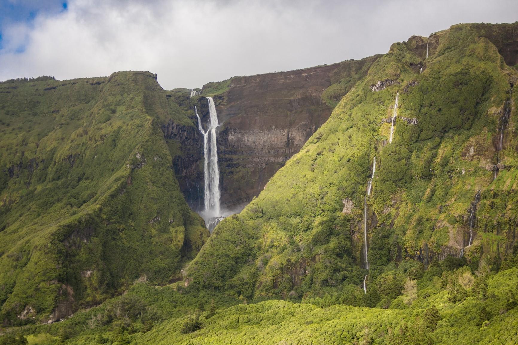 Flores - Wasserfälle des Ribeira do Ferreiro
