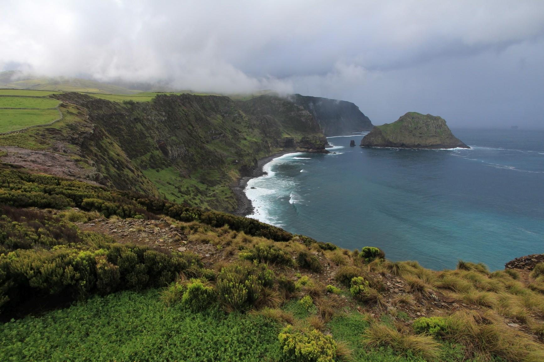 Flores - Küste hinter Ponta Delgada