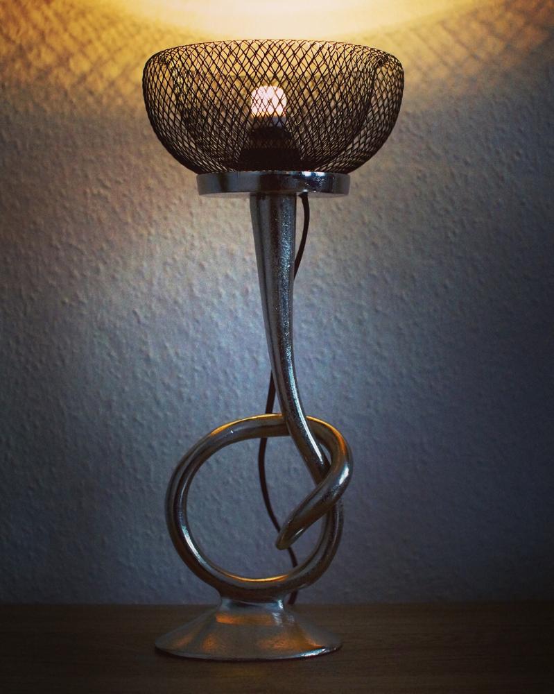 Alle Lichtdesigns sind handgefertigte Unikate in sehr hoher Qualität. Ich verwende nur geprüfte und genormte Leuchtmittel.