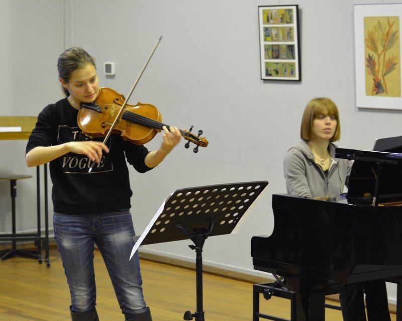 Dana Zemtsov en Cathelijne Noorland