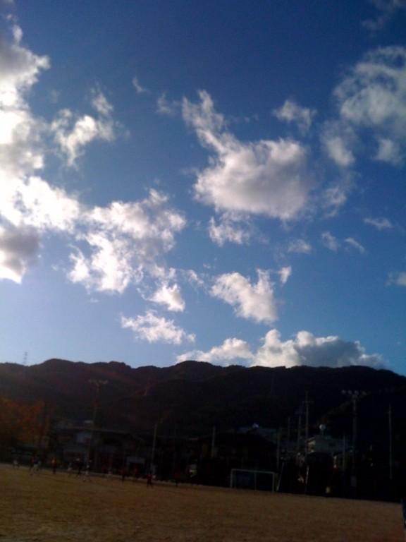 とりあえず風景写真を。比叡山です。(田村コーチ携帯画)