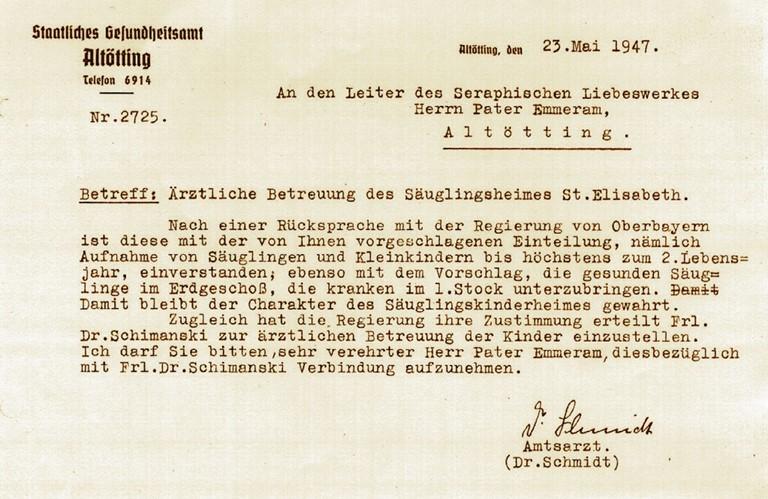 Schreiben des Staatlichen Gesundheitsamtes Altötting am 23. Mai 1947. Die Aufnahme von kranken Kindern wird erstmals amtlich genehmigt.