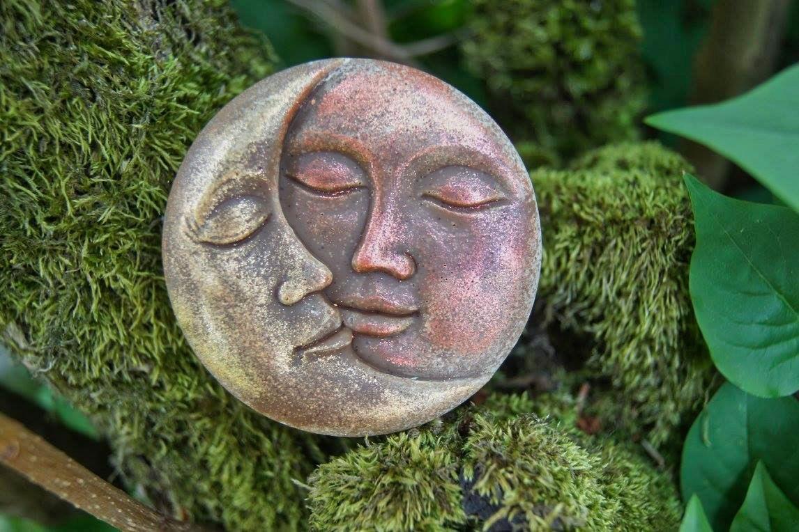 Sonne und Mond mit Mica gefärbt