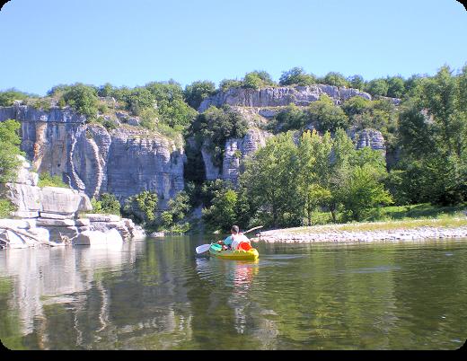 Balade en canoë sur l'Ardèche à Pradons