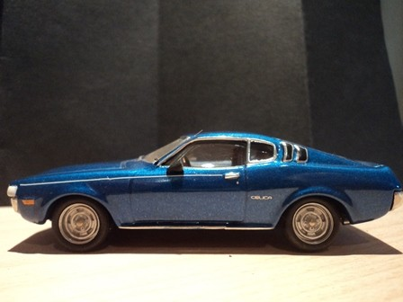 Celica in der Farbe des Originals - blau mét.