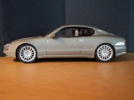 Der Maserati ist in einem schönen grau métallisé eingekleidet