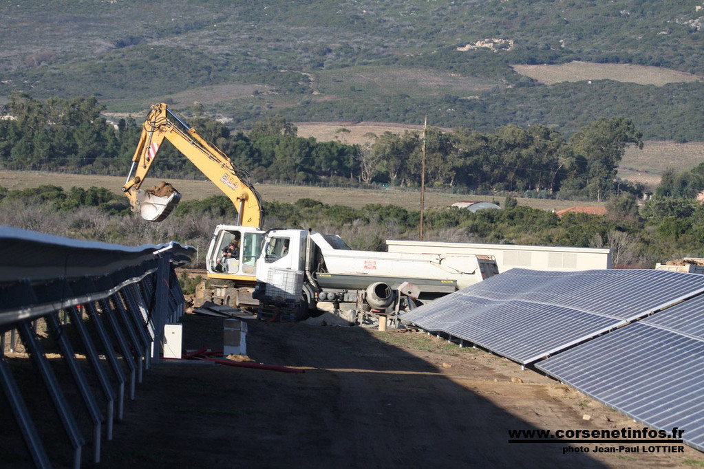 Le chantier est situé enre la route de Calenzana et celle de l'aéroport de Calvi