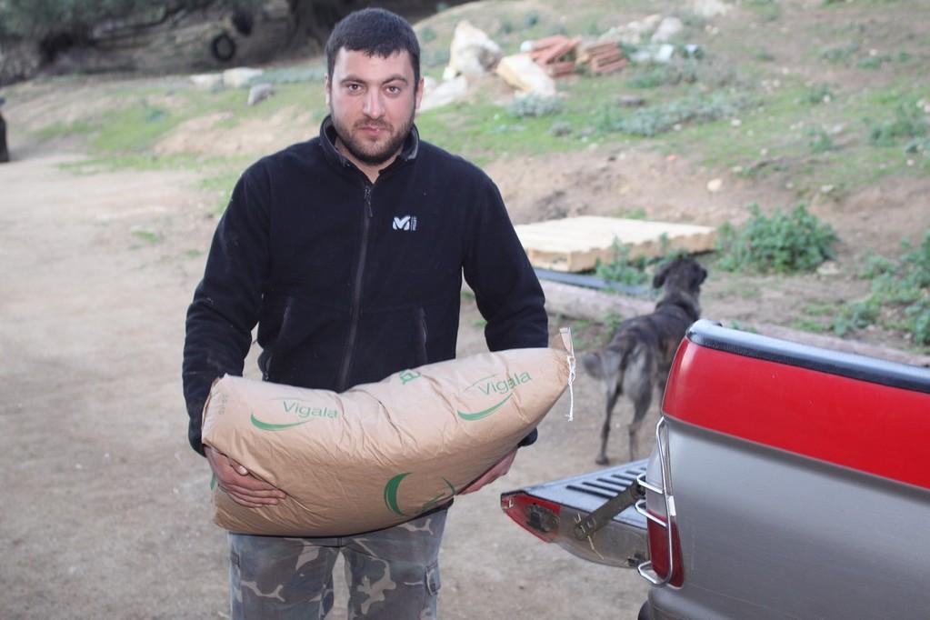 José Castellani utilise des compléments alimentaires pour son troupeau