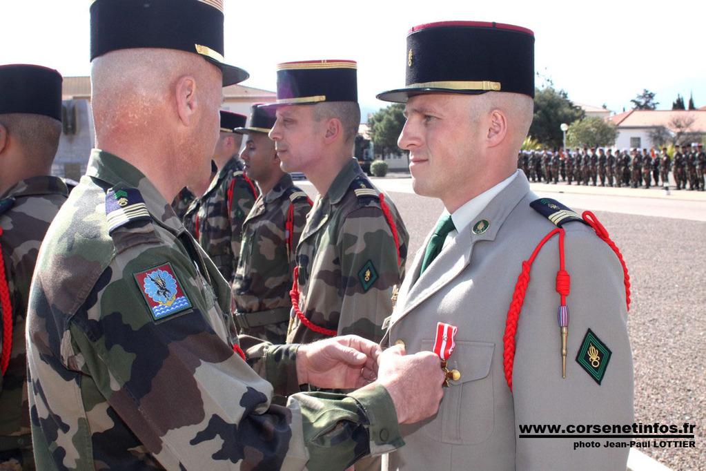 Le sergent-chef Libert décoré à l'ordre de la Division