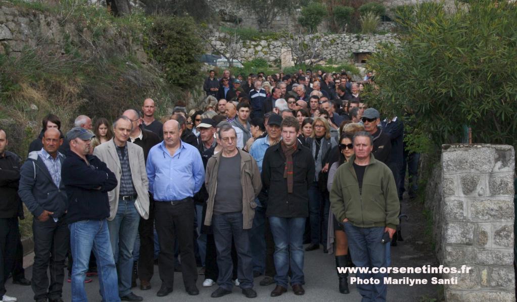 Plus de 150 personnes se sont rassemblées pour soutenir Guy et Alain Orsoni
