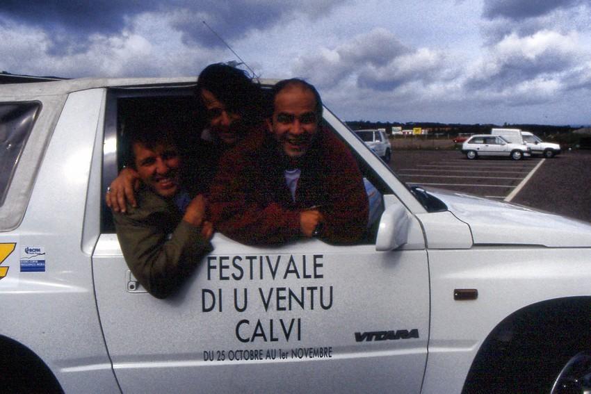 1992 : Le début de l'aventure pour Serge Orru à l'aéroport avec Jean-Temir Kerefoff pour accueillir les festivaliers