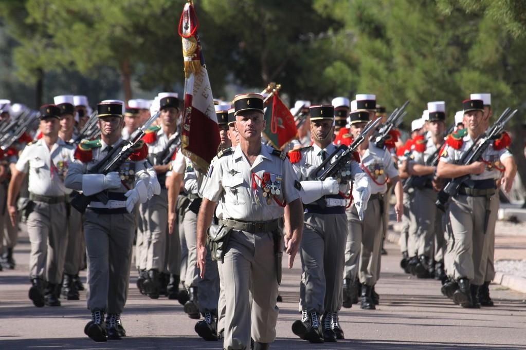 Le colonel PLessy en tête du défilé