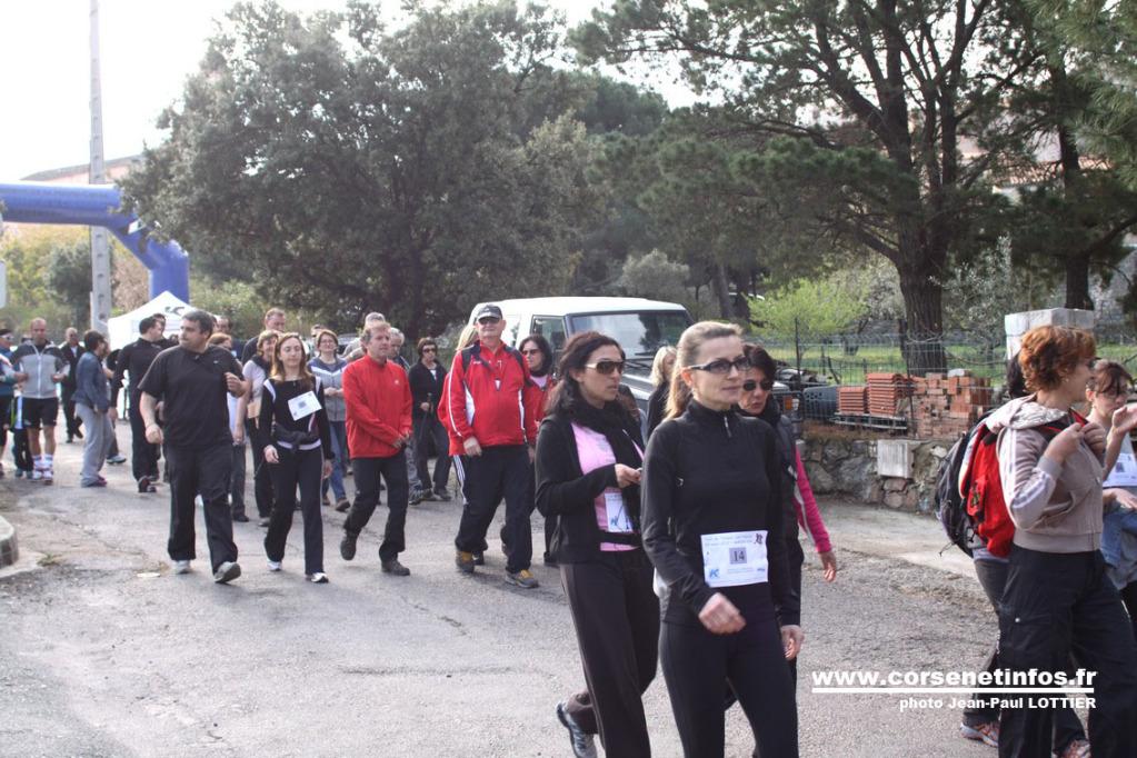 Beaucoup de monde pour la marche