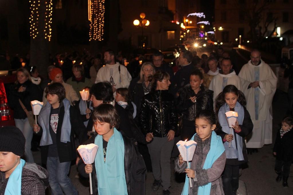 Les enfants en tête de la processio