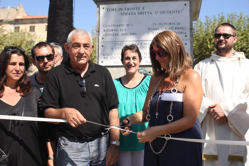 Nicole D'Oriano coupe le ruban en compagnie du maire Jean-Jo Allegrini-Simonetti