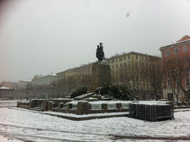 Place Saint Nicolas et…