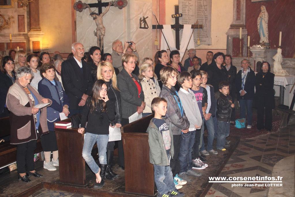 Au premier rang les enfants du catéchisme
