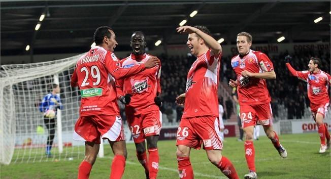 Eduardo buteur face à Auxerre