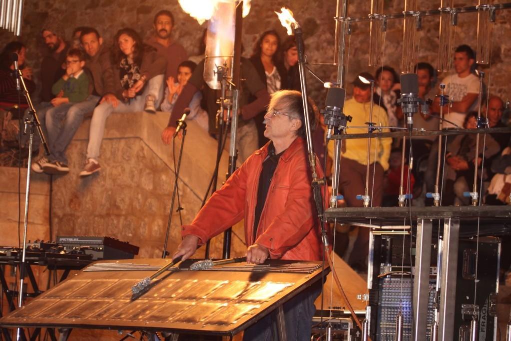 Michel Moglia aux manettes des orgues du feu