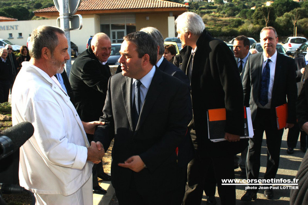 Le ministre accueilli par le docteur Charles Ryeckwaert