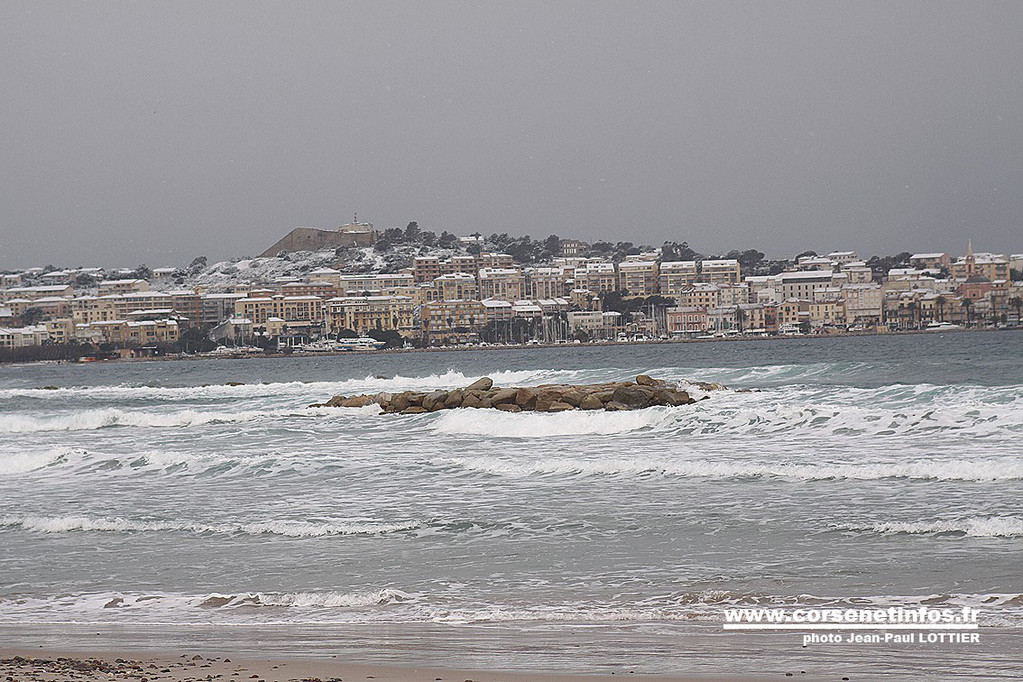 Calvi vue de la plage