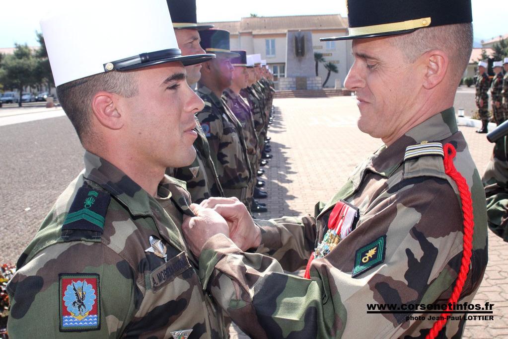 Le caporal Moreira Ribeiro Rocha à l'orde de la Division